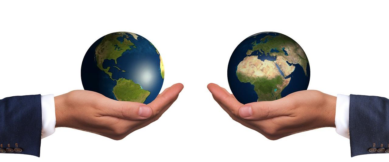 comparison_globe